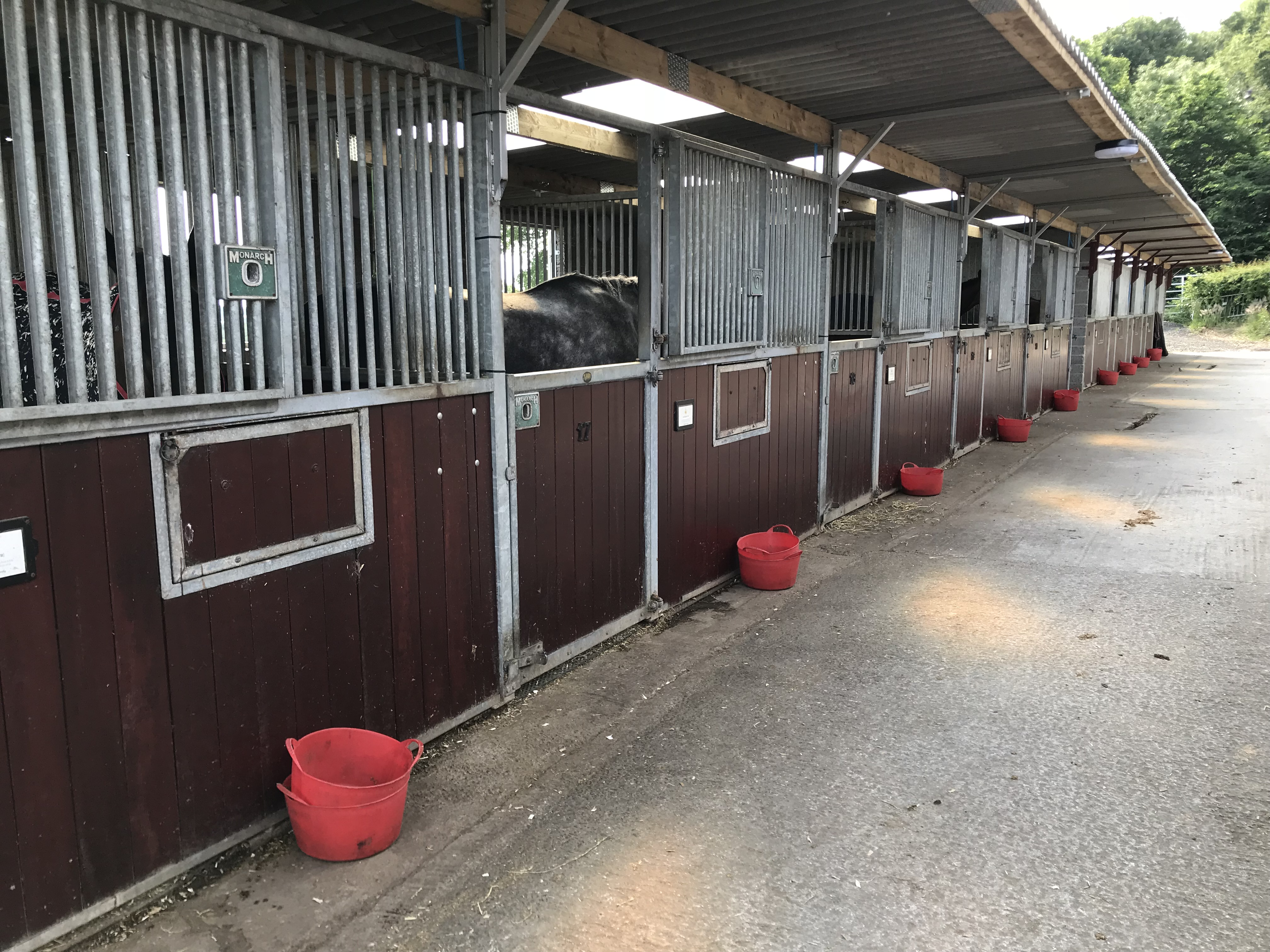 Yard 3 with 10 Stables